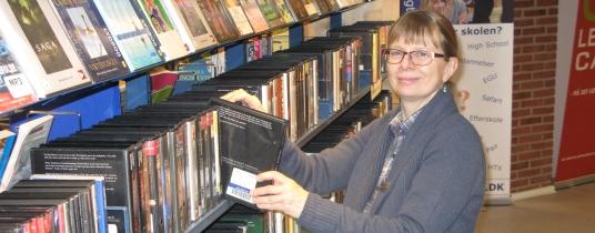 Dorte finder bøger