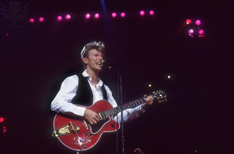 David Bowie giver koncert i Canada i marts 1990