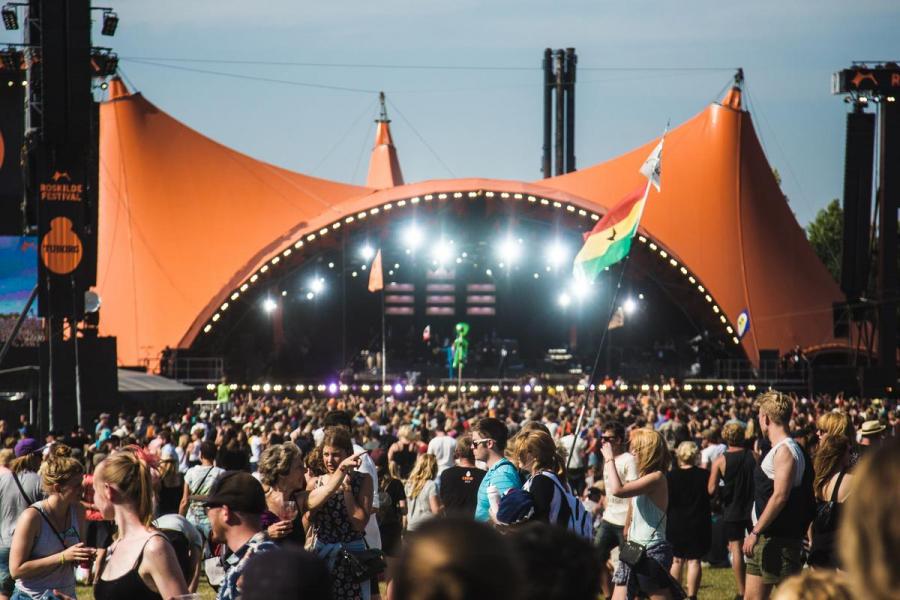 Orange scene på Roskilde Festival fotograferet af Simon Frøsig Christensen